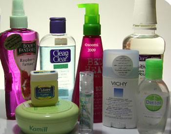 تحتوي المعقمات المعروفة على بعض المركبات التي تجعلها ملائمة للجلد
