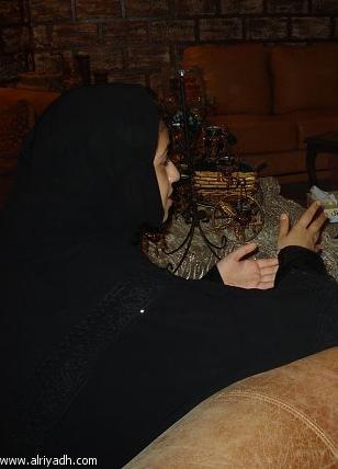 زوجات يخطبن لأزواجهن ويرقصن جروحهن.. 032241711117.jpg