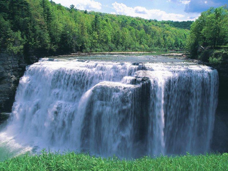 رحلة في عالم الشلالات المائية 14