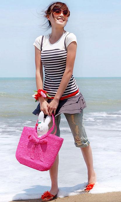 أزياء للبحر وللصيف تجنن